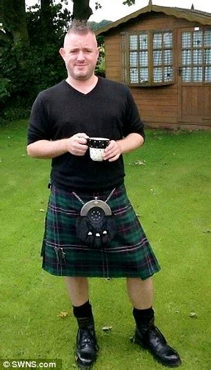 Scotsman assaulted for wearing a kilt in the English