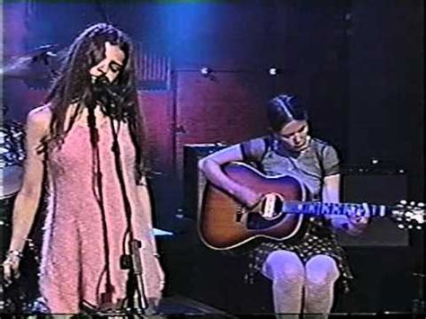 Mazzy Star - Fade Into You (Conan Live) - YouTube