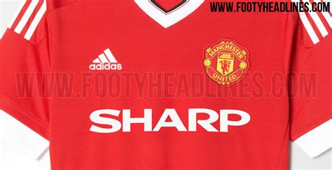 Adidas Manchester United 15-16 Kit with Classic Sponsors