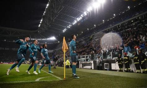 Watch: Fan footage captures moment Juventus fans give
