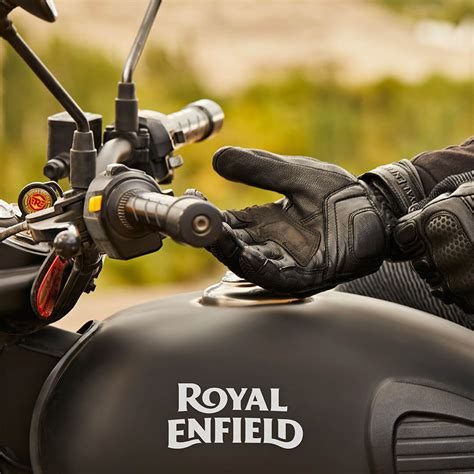 Royal Enfield Classic 500 Stealth Black Price, Reviews