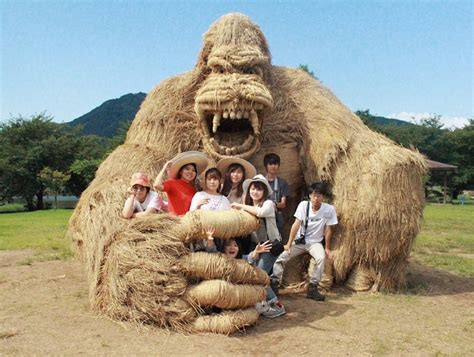 Wara Art Festival Welcomes Super-Sized Rice Straw Sculptures