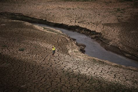Megacity drought: Sao Paulo withers after dry 'wet season'
