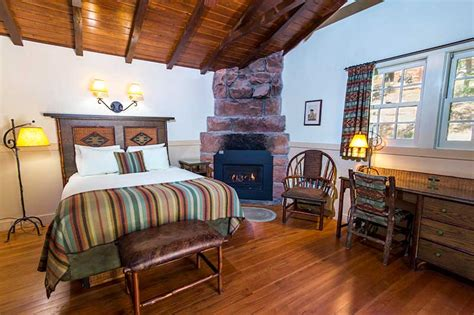 Zion Lodge Accommodations: Cabins, Hotel, Suites | Zion