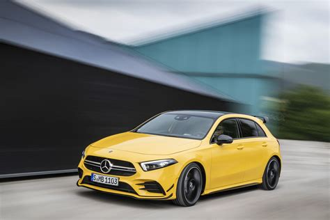 2018 Mercedes-AMG A40 | Top Speed